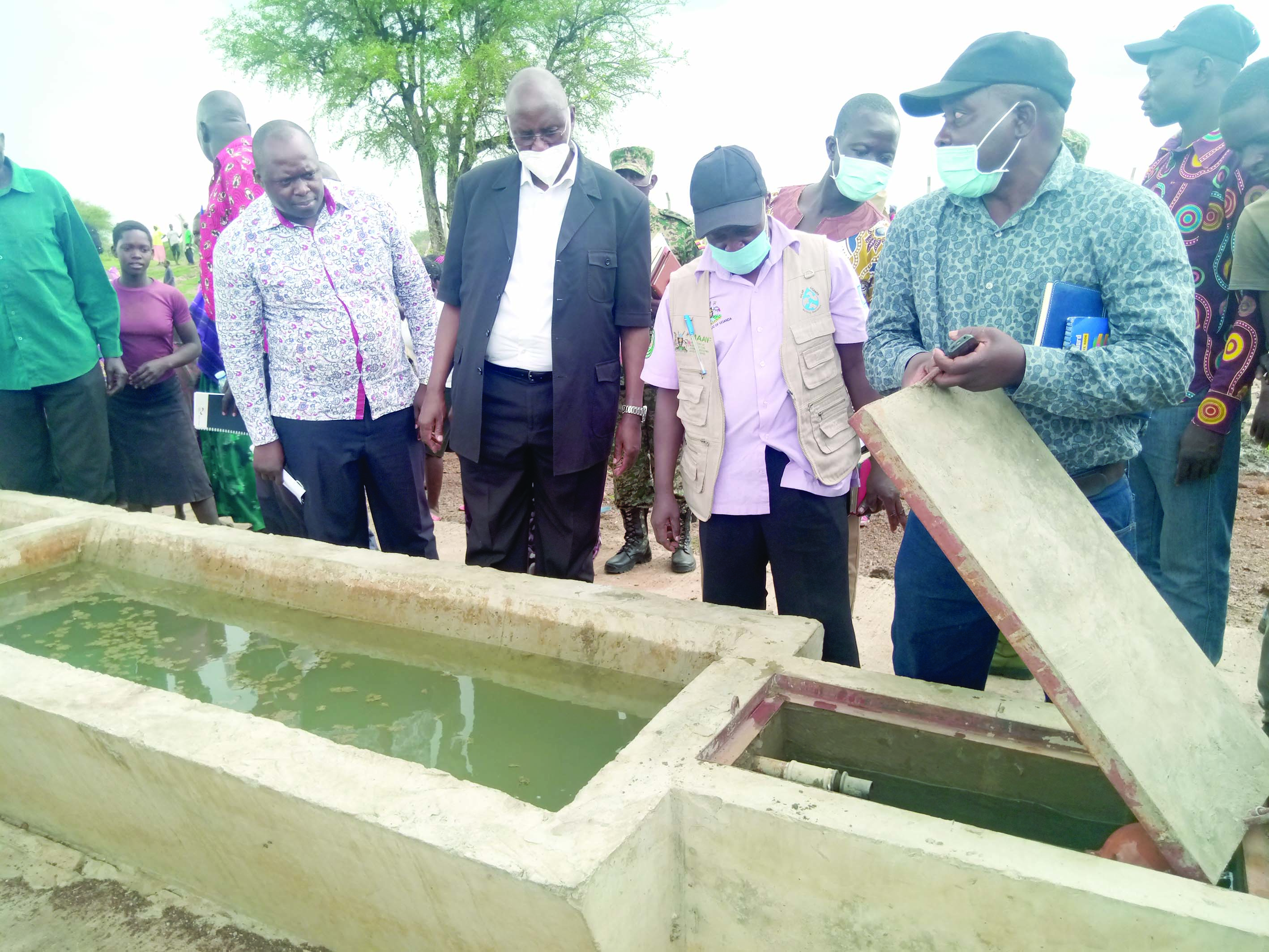 Minister and CAO in the launch of Onganyakonye valley dam